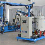 Máquina de aislamiento de espuma de PU de baja presión china de baja densidad EMM084-1