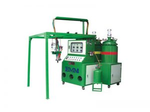 Máquina de espuma de poliuretano para tapa de filtro.